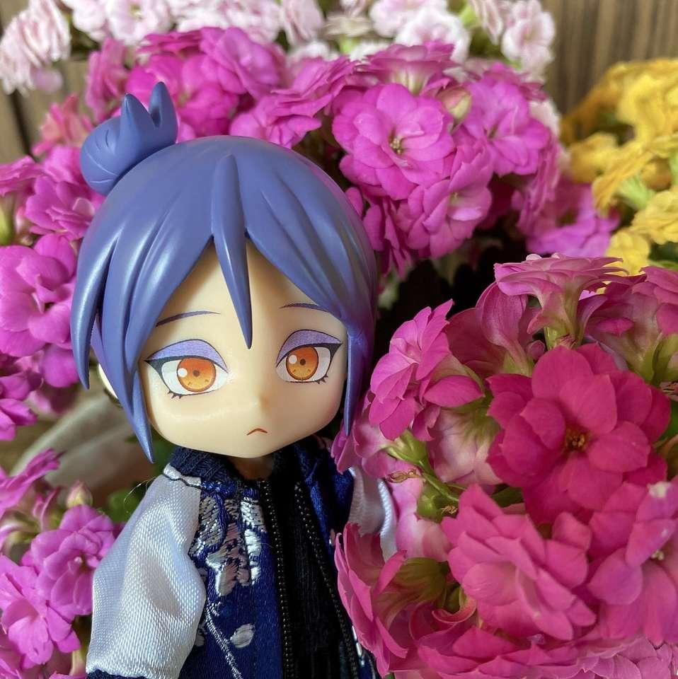 Konan temidden van mooie bloemen - Konan temidden van mooie bloemen (personage uit de Naruto-serie) (7×8)