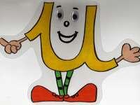 I am the vowel u