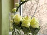 ikebana in glass