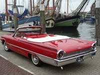 1961-es Ford Galaxie 500 Sunliner