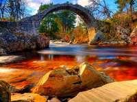 Erstaunliche Brücke