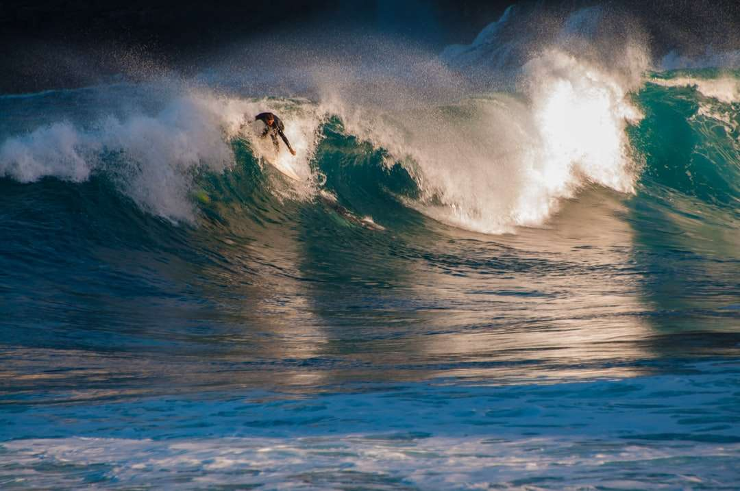man surfing on sea waves during daytime - Surfer, wellen, sport, strand. Teneriffa, Spanien (3×2)