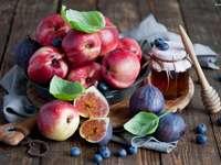owoce i miód
