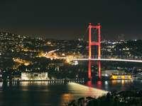 golden gate bridge tijdens de nacht
