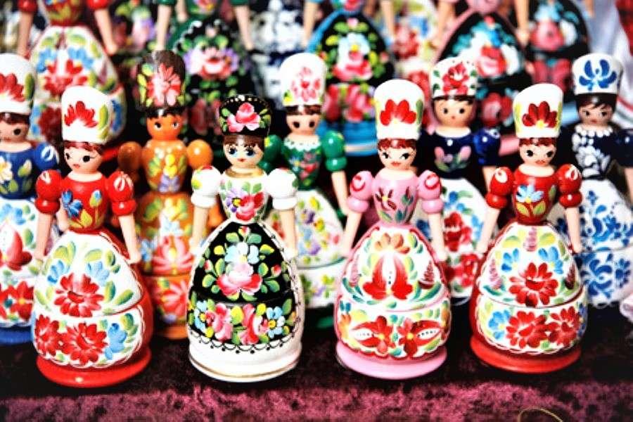 Volkskunst Hongaarse houten poppen (16×11)