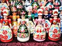 Muñecas de madera de arte popular húngaro