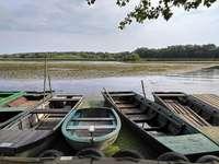 Łodzie na jeziorze Theiss na Węgrzech