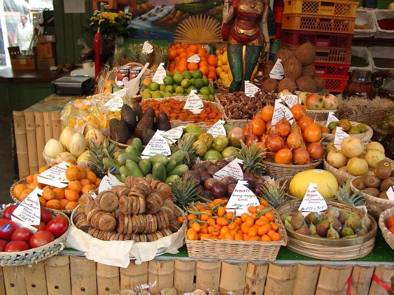 Stand cu fructe - Stand de fructe de pe München Viktualienmarkt (12×9)