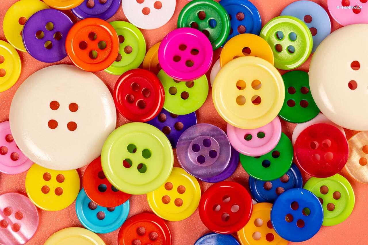 разпръснати цветни копчета