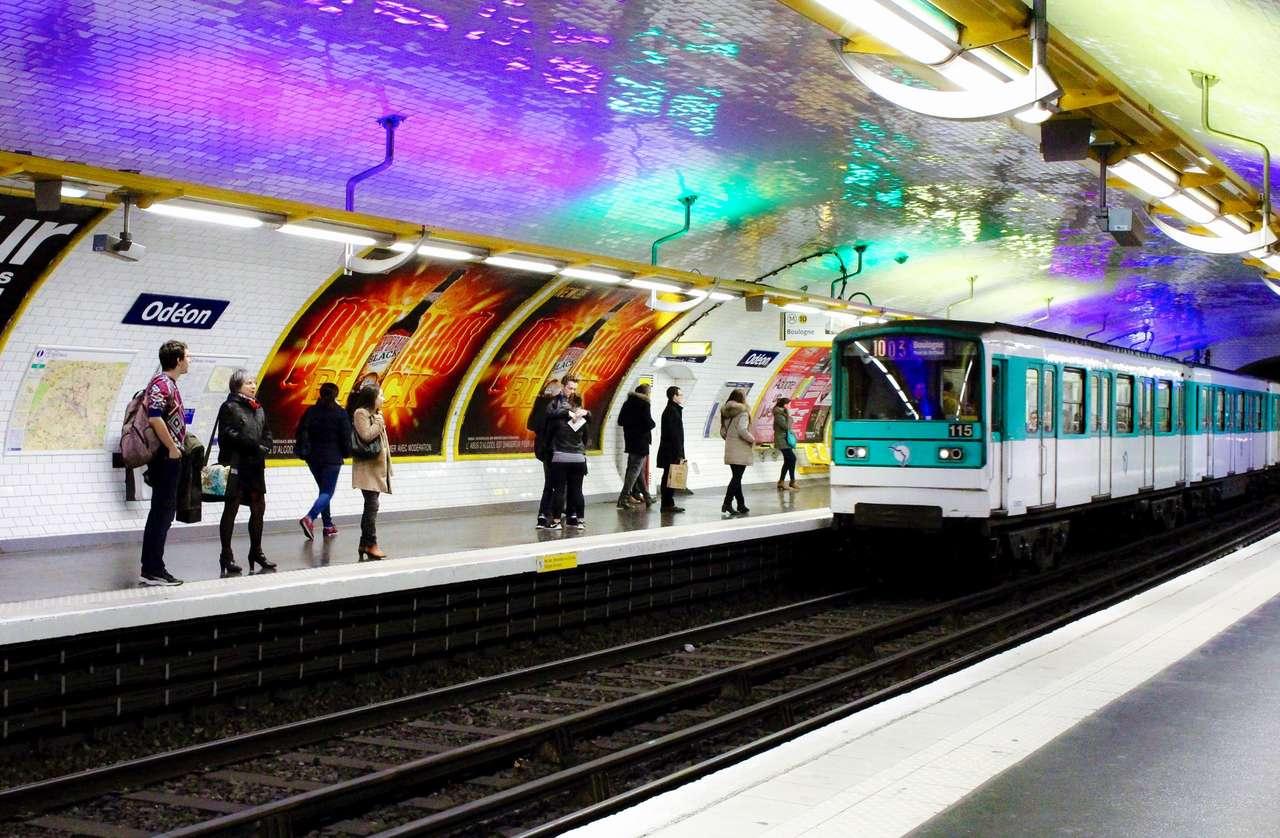 Pařížské metro - Stanice metra - Paříž (16×11)