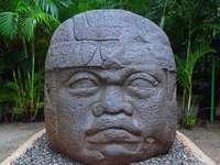 Olmec κεφάλι