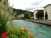 Река Ааре в Швейцария.
