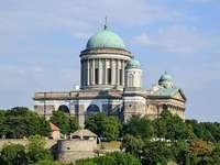 Interiér Ostřihomské katedrály v Maďarsku
