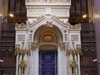 Intérieur de la synagogue de Budapest Hongrie