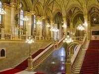 Edifício do Parlamento de Budapeste dentro da Hungria