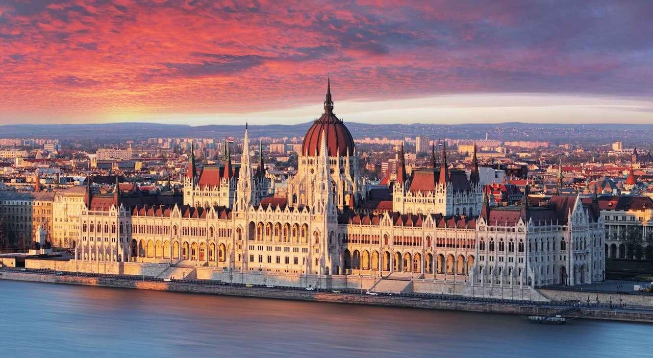 Budapests parlamentsbyggnad Ungern