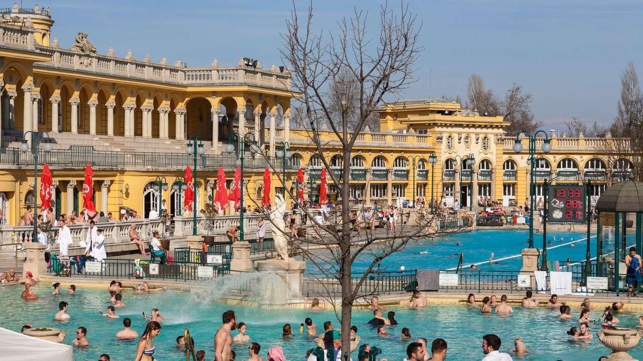 Budapest Leisure Center Hungary (17×10)