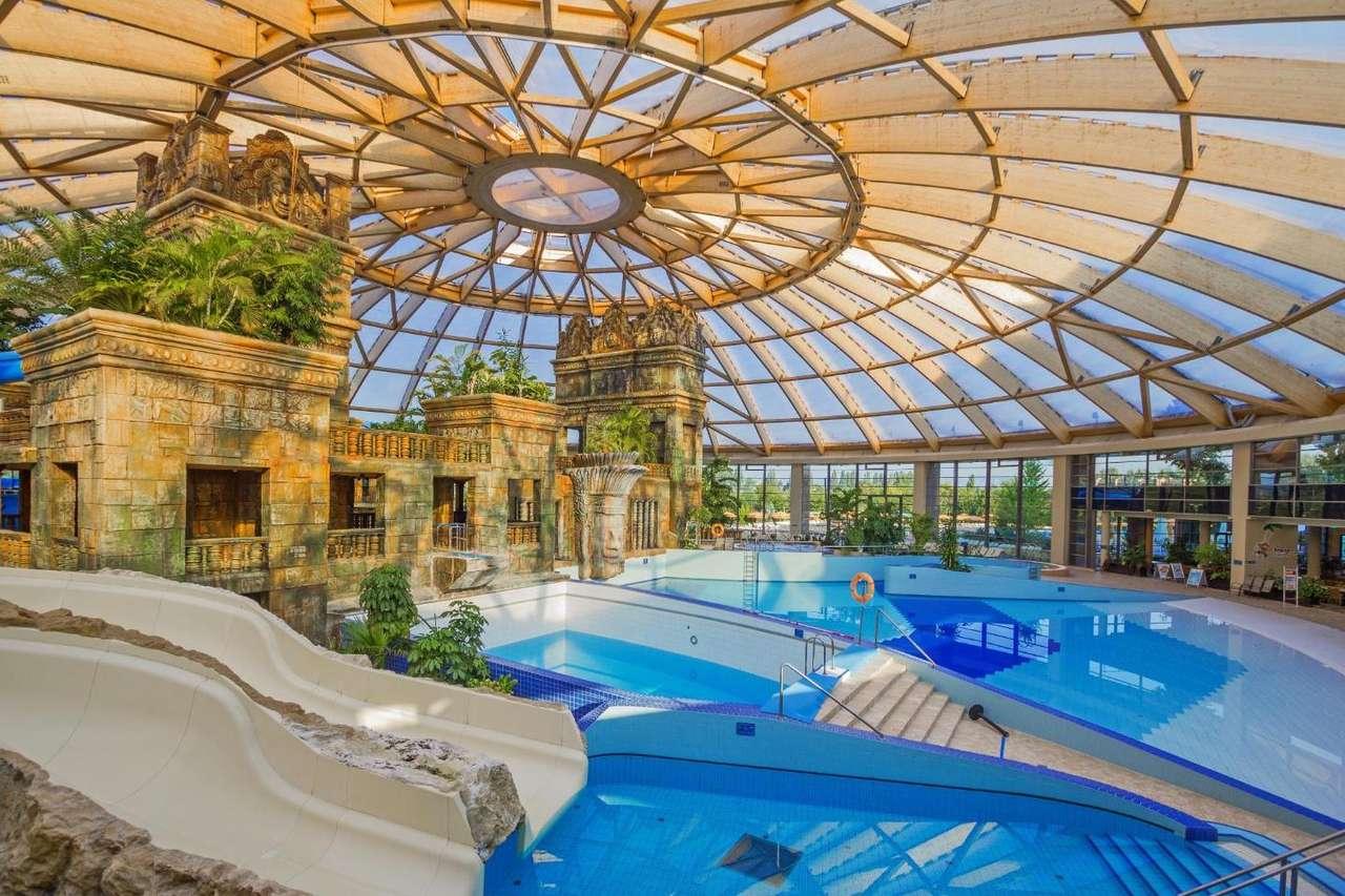 Budapest Leisure Center Hungary (16×11)