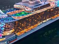 Kreuzfahrtschiff - Wunder des Meeres