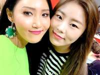 Hwasa and Wheein