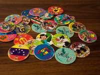 различни цветни и шарки кръгли стикери
