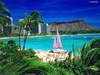 praia no havaí