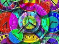 Kolekcja kolorowych zegarów