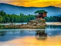 Parc national de Tara Drina River en Serbie