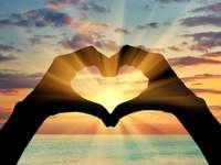 Herz über dem Meer