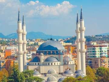 Tirana Testa dell'Albania