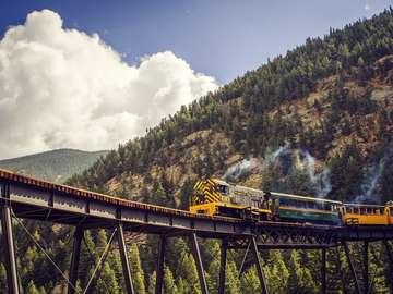 Τρένο στα βουνά
