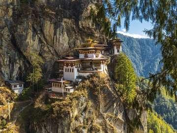 Templom a sziklákon