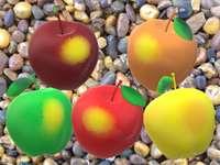 Farbige Früchte