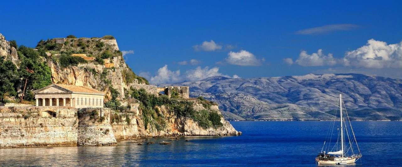 Templo antiguo de Agios Georgios en la isla de Corfú rompecabezas en línea