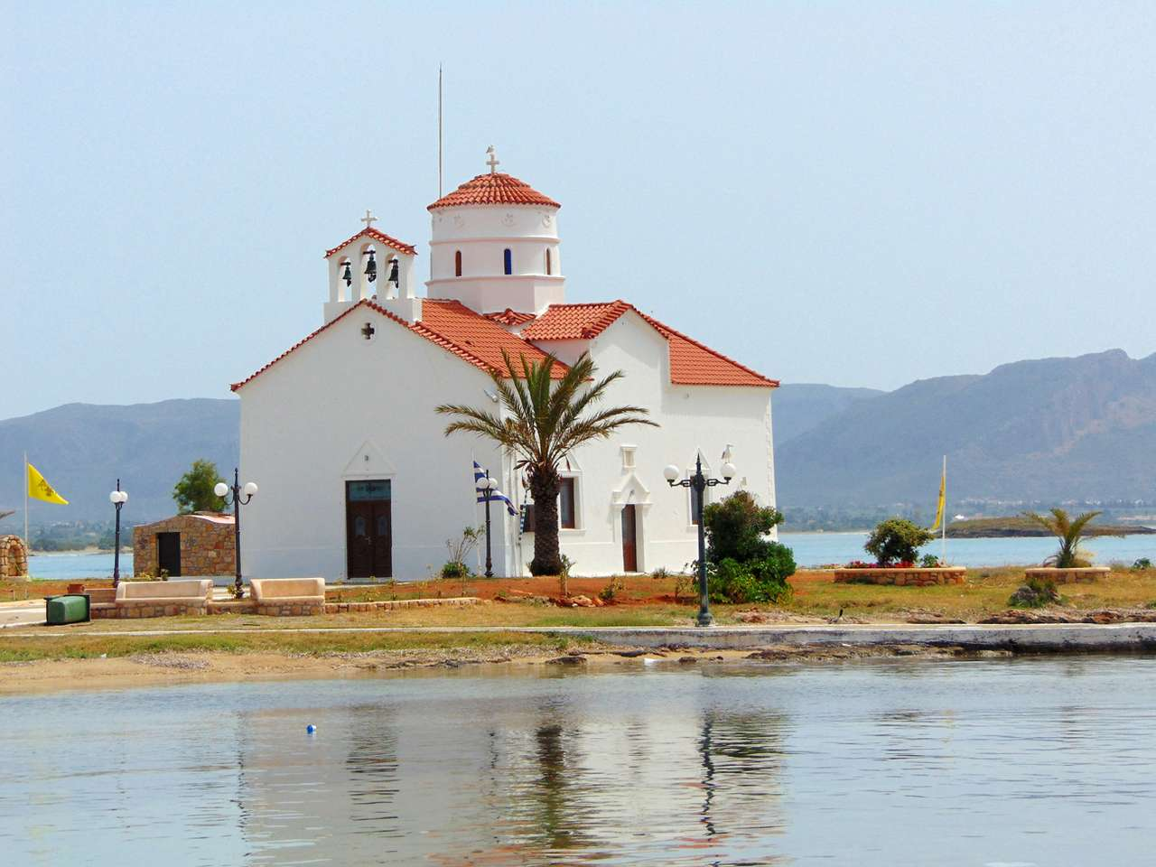 Ilha grega de Igreja de Elafonisos