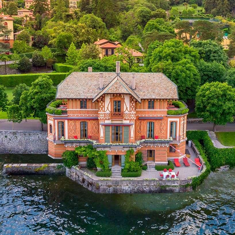 Villa on the water - Italy