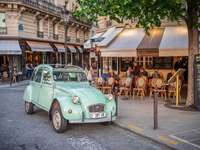 Auto w Paryżu