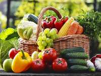 Пресни зеленчуци и плодове