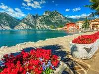 The coast of Lake Garda puzzle