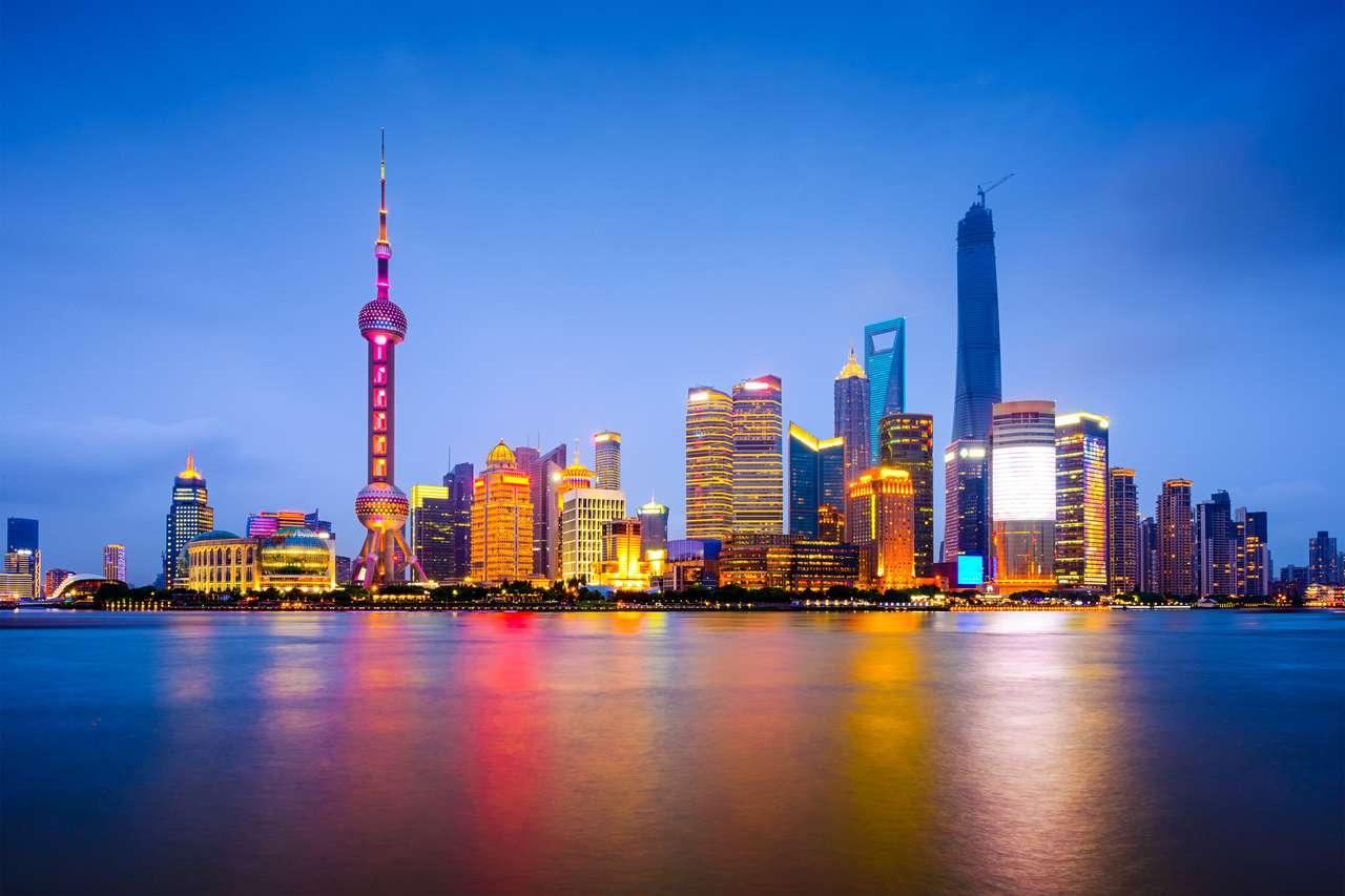 Shanghai, China skyline da cidade às margens do Rio Huangpu. quebra-cabeça