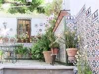Andalusischer Innenhof Online-Puzzle